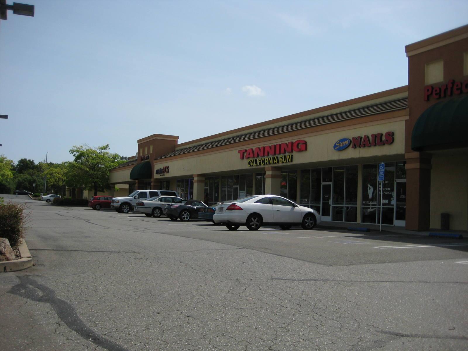 CBRE RetailCampus Plaza5050 Rocklin Rd  Photo