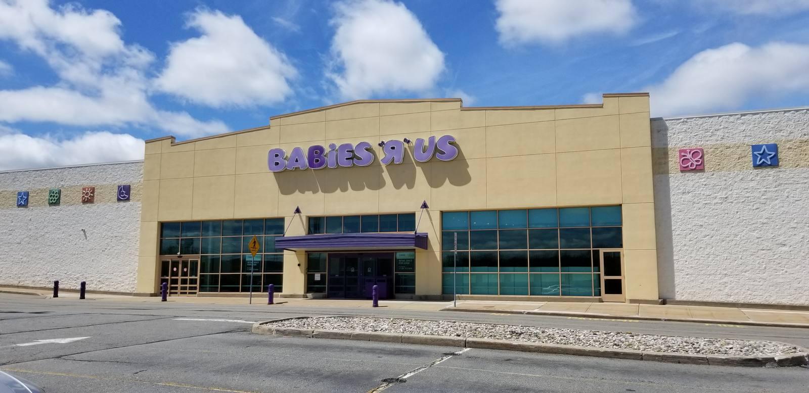 CBRE RetailITC Crossing South10-50 International Drive South  Photo