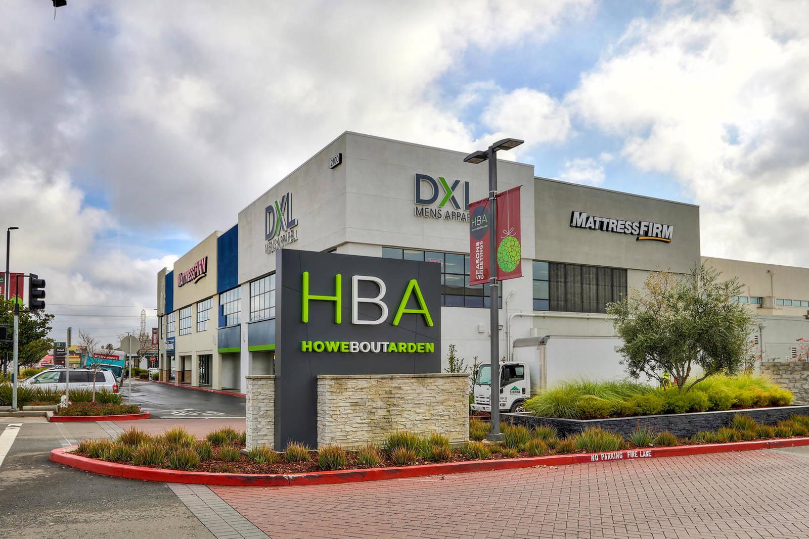 CBRE RetailHBA-Howe Bout Arden2030 Arden Way  Photo
