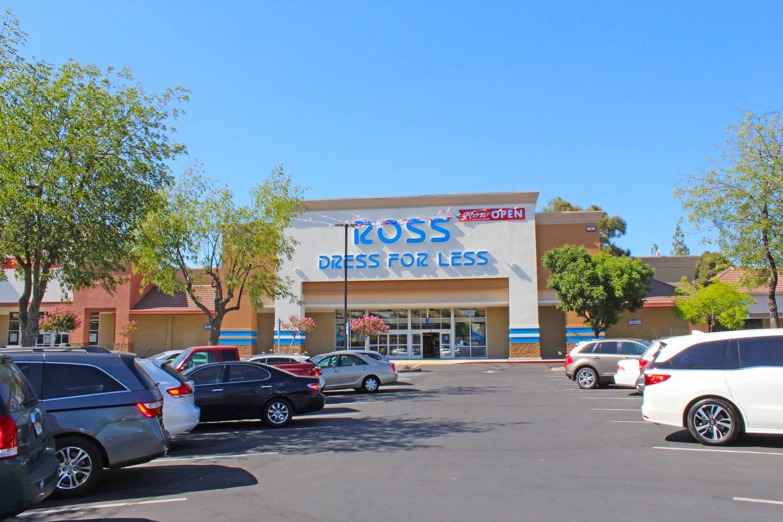 CBRE RetailCable Park Shopping Center8861 Greenback Ln  Photo