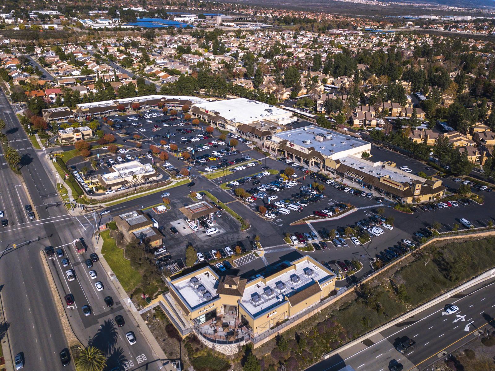 CBRE RetailHaven Village-Rancho CucamongaHaven Ave & 210 Freeway  Photo