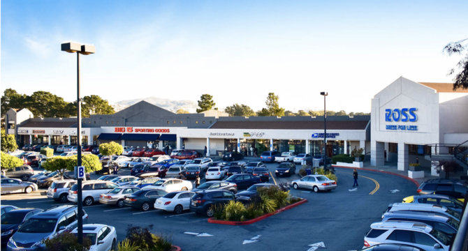 CBRE RetailLakeshore Plaza1501-1597 Sloat Blvd  Photo