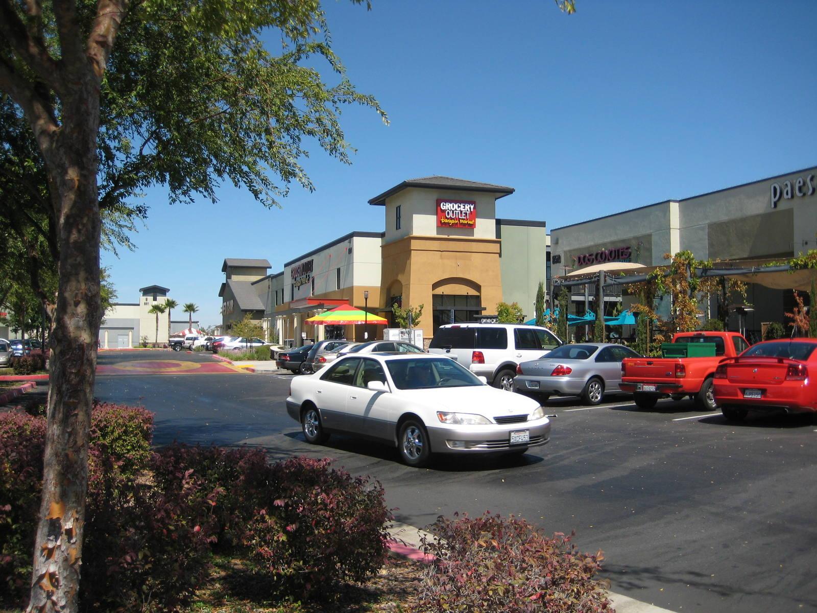CBRE RetailElk Grove Marketplace8507, 8509, 8511, 8515, 8517 & 8519 Bond Rd  Photo