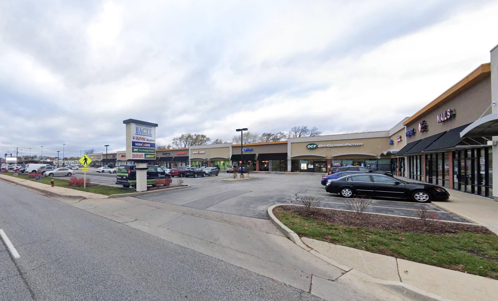 CBRE RetailDempster Crossing7132 Dempster Street  Photo