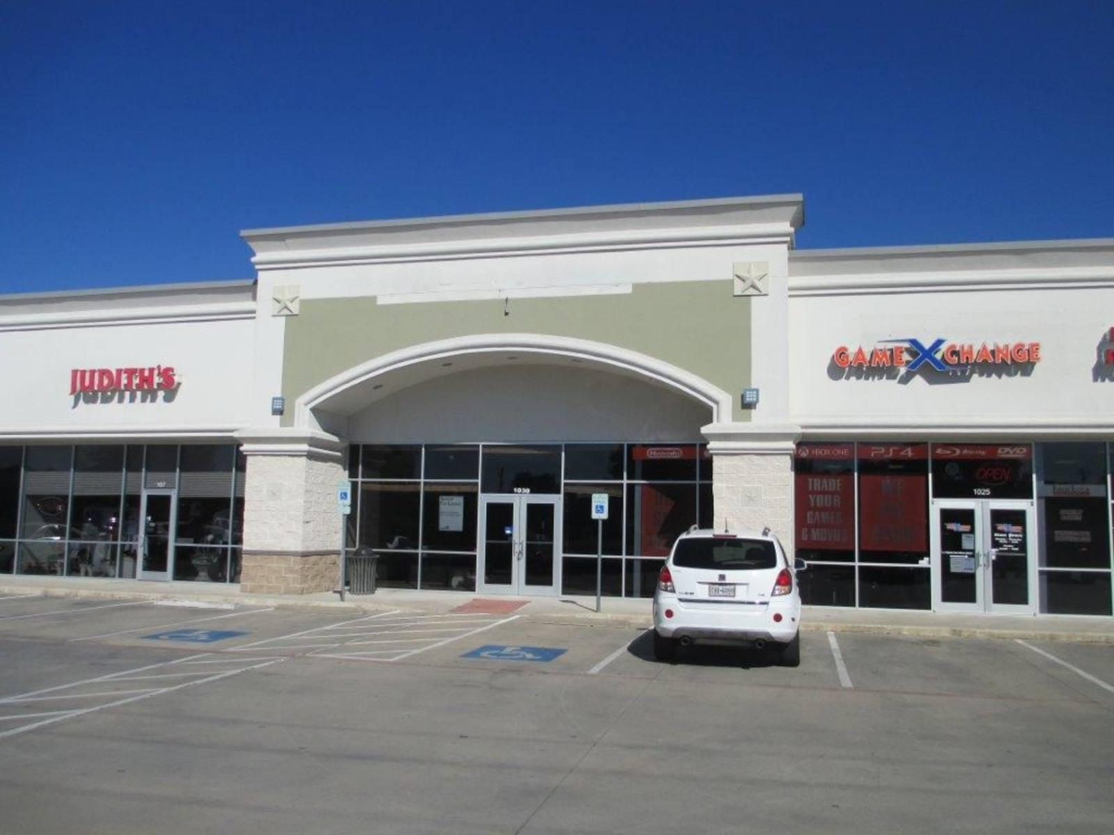 CBRE RetailBooty's Crossing Center33303 Williams Dr  Photo