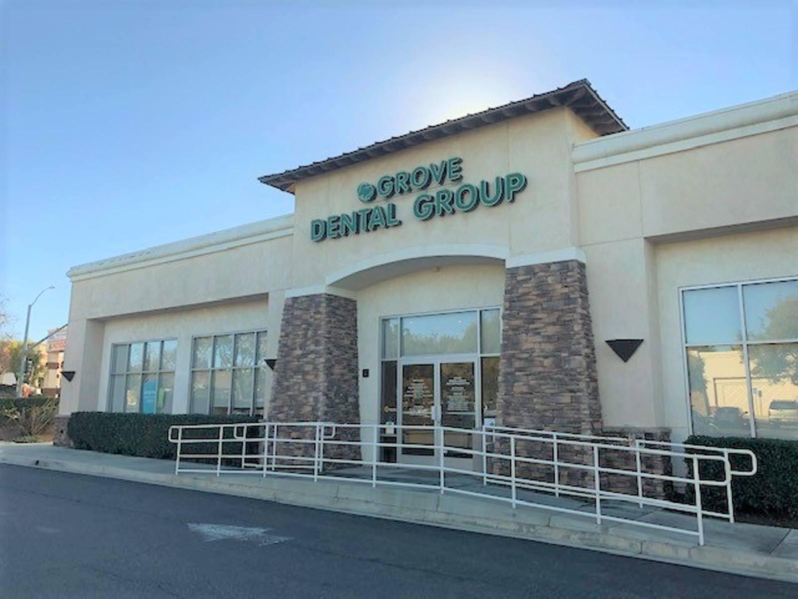 CBRE RetailOrangecrest Towne Center - Riverside8735 Trautwein Rd  Photo