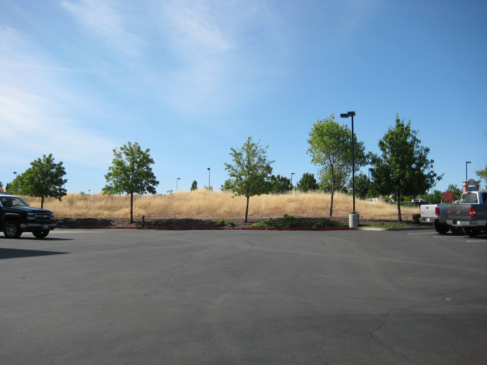 CBRE RetailLes Schwab - Roseville Land9095 Fairway Dr  Photo