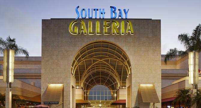 CBRE RetailSouth Bay Galleria1815 Hawthorne Blvd  Photo