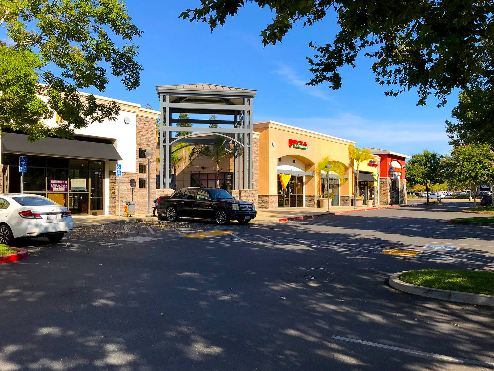 CBRE RetailRocklin Retail5514 & 5600 Pacific St  Photo