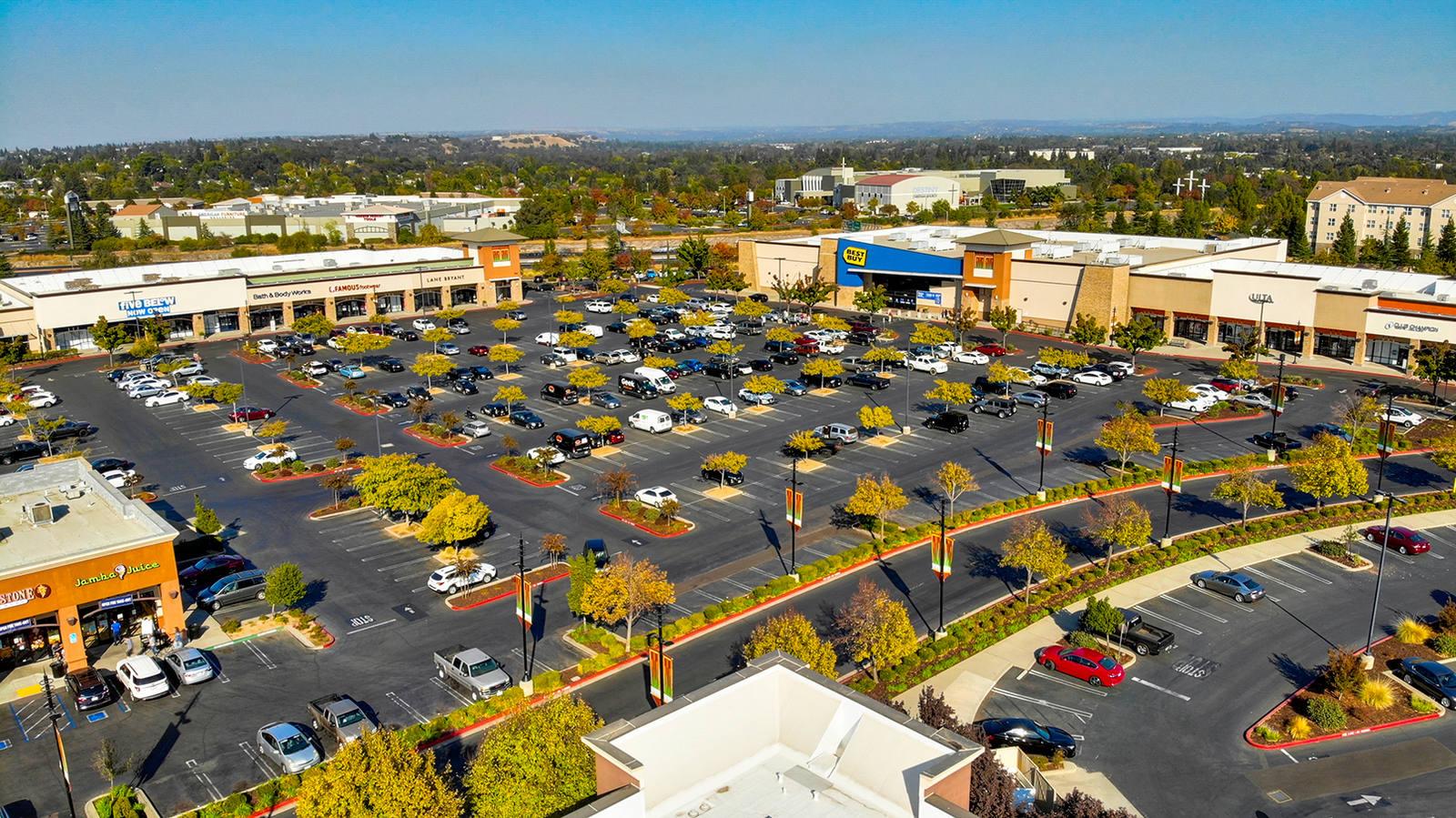 CBRE RetailCreekside Town Center1116 GALLERIA BLVD  Photo