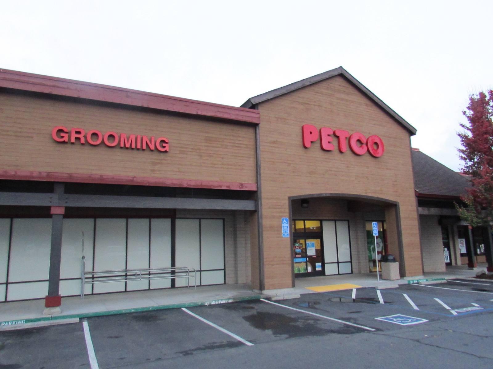 CBRE RetailPine Creek Shopping CenterHighway 49 N & W McKnight Way  Photo