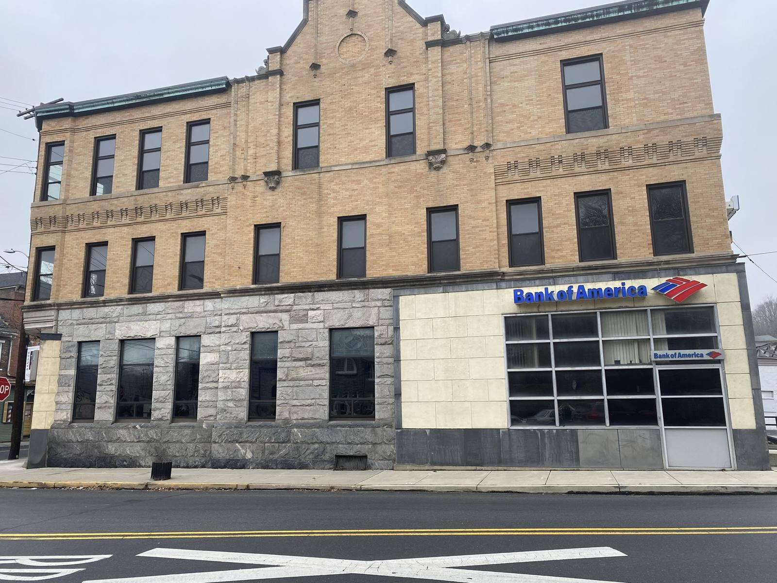 CBRE RetailFormer Bank Branch - Bangor, PA29 S. Main Street  Photo