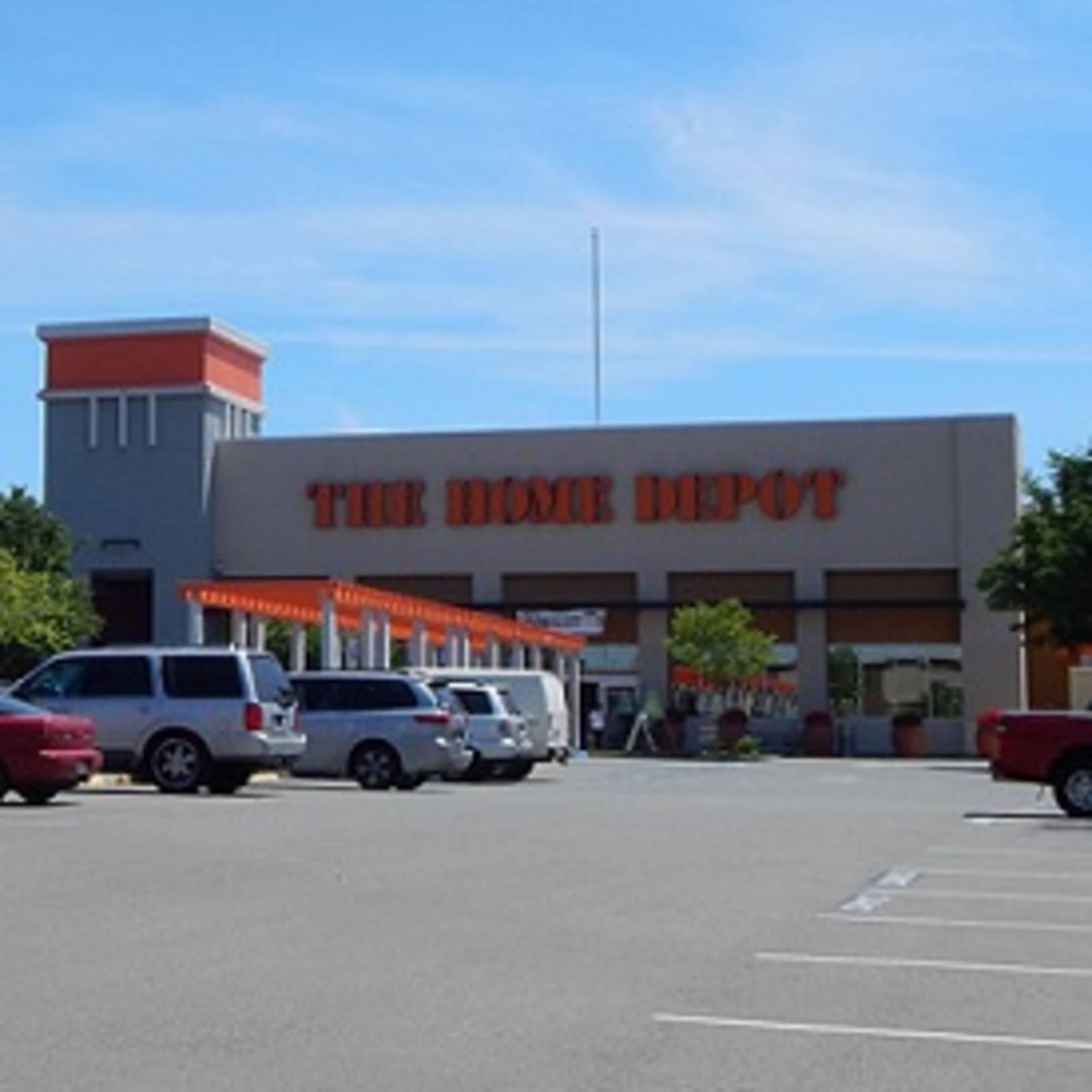 CBRE RetailRiverpoint MarketplaceReed Ave & I-80 E  Photo