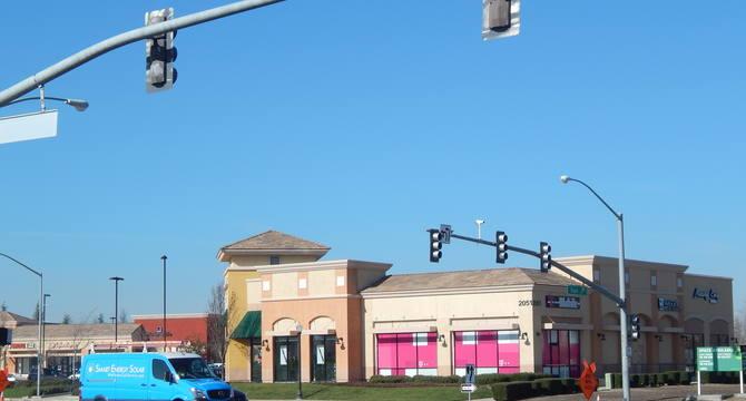 CBRE RetailTruxel Station2051 Arena Blvd  Photo