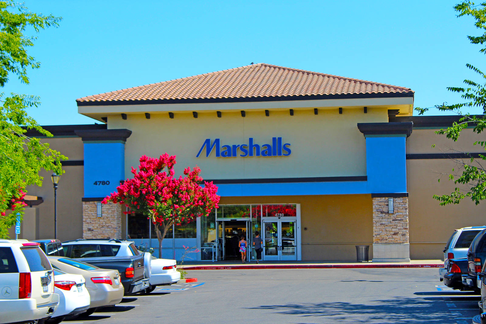 CBRE RetailPark Place II4690-4780 Natomas Blvd  Photo