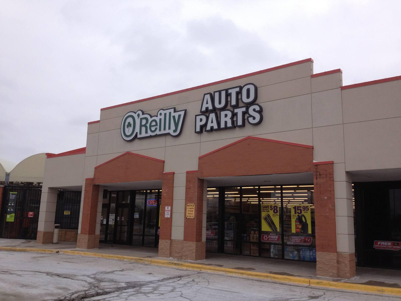 CBRE RetailDarien Towne Center2101 75th St  Photo