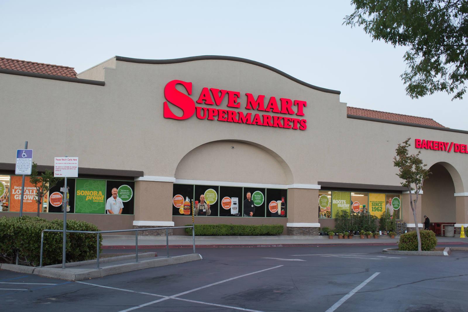 CBRE RetailTimberhills Shopping Center1005 Mono Way  Photo