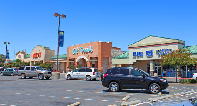 CBRE RetailWatt Towne Center3615 Elkhorn Blvd  Photo