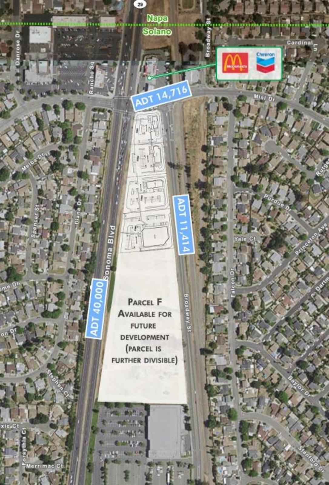 CBRE RetailSonoma GatewaySonoma Boulevard / Hwy 29  Photo