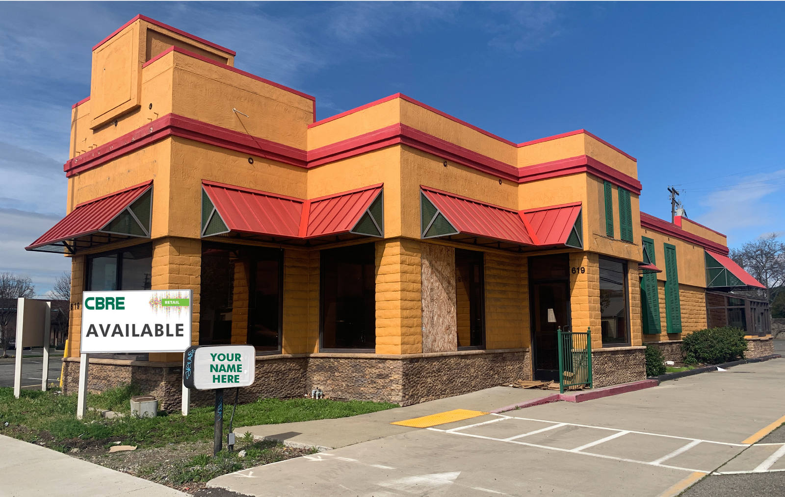 CBRE RetailFreestanding Restaurant with Drive-through619 E. 10th Street  Photo