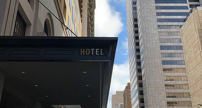 CBRE RetailAdolphus Hotel Retail 1300 & 1302 Main St (Intersection: Main St & Field St)  Photo