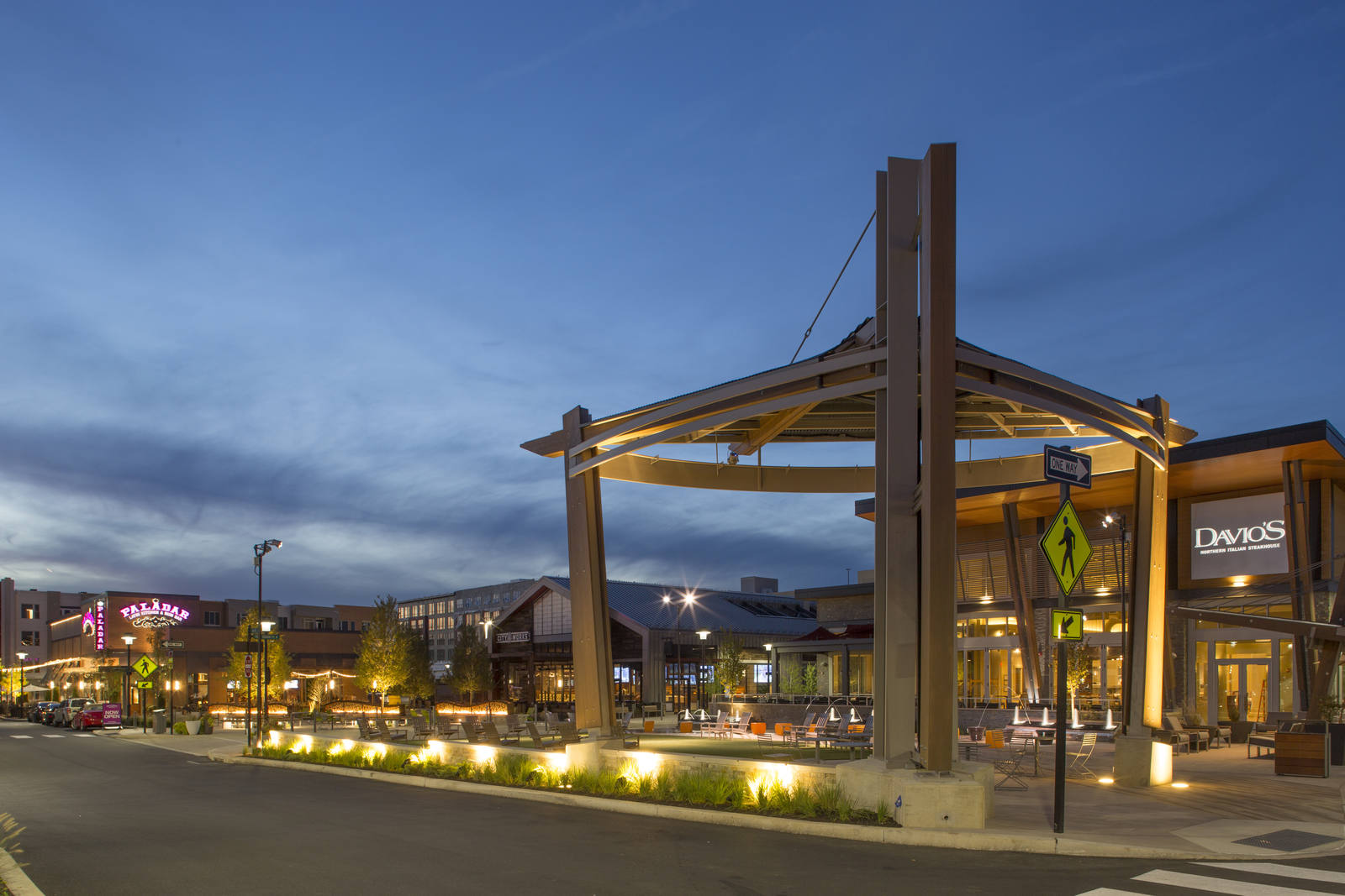 CBRE RetailKing Of Prussia Town Center155 Village Drive  Photo
