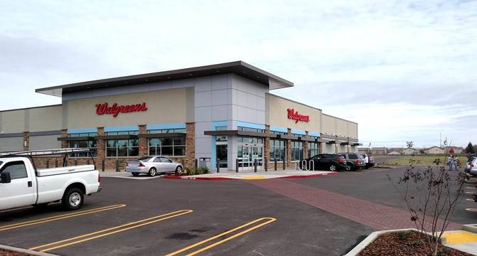 CBRE RetailBlue Oaks Retail Center BLUE OAKS BLVD & WOODCREEK OAKS  Photo