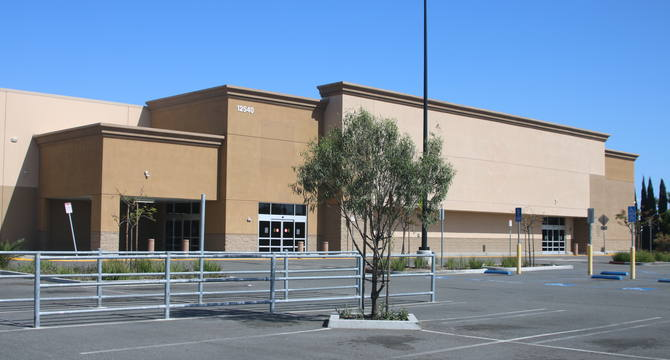 CBRE RetailFormer Sam's Club Stanton12540 Beach Blvd.  Photo