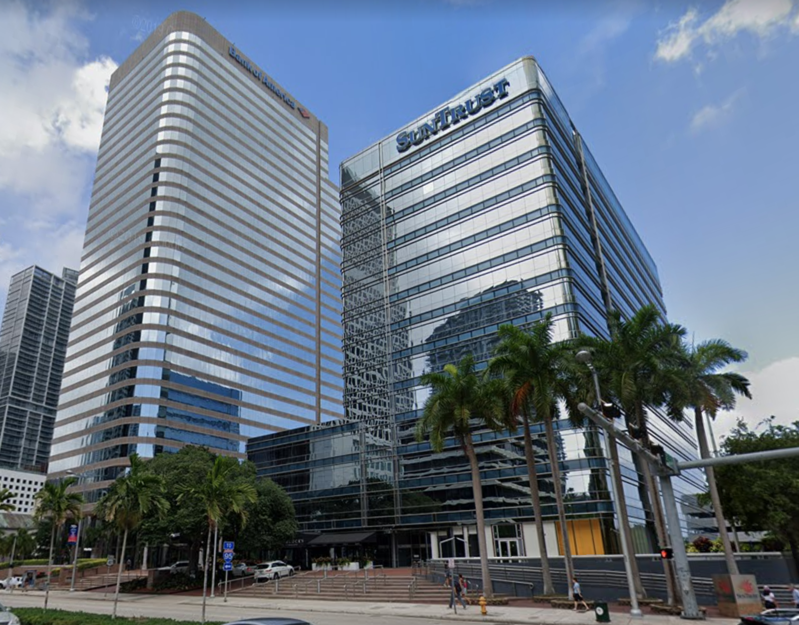 CBRE RetailSun Trust 777 Brickell   Photo