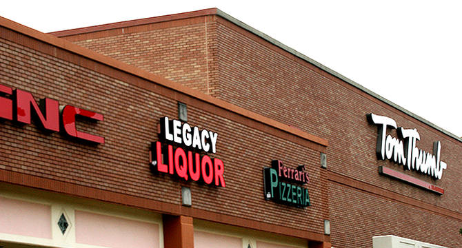 CBRE RetailHunter's Glen Crossing3945 Legacy Dr (Legacy Dr & Coit Rd)  Photo